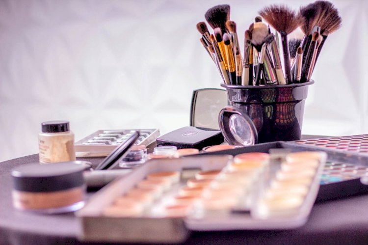 Make-up essentials for everyone
