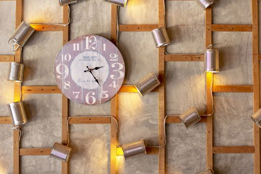 Wall Clock Designs to pick for your Living Room