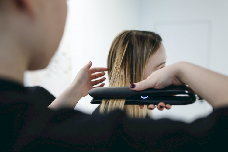 Can Re-bonding of hair be done at home? A Guide to Permanent Hair Straightening at Home!